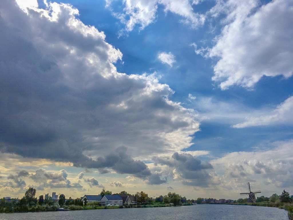 Uitzicht over de Rotte tijdens de wandeling RondjesHIS in Rotterdam